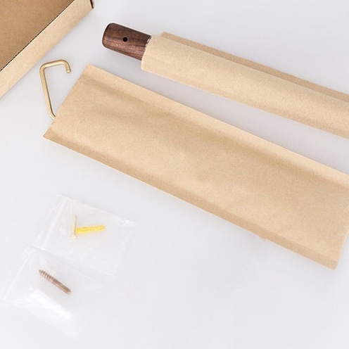 Minimalistische kapstok - Notenhout verpakking | Style D'lx - Betaalbare lifestyle luxe
